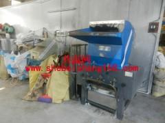 塑料厂注塑机、破碎机